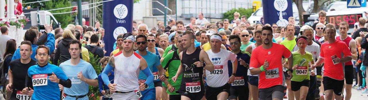 Läufer beim Start des Kurstadtlauf Bad Vöslau
