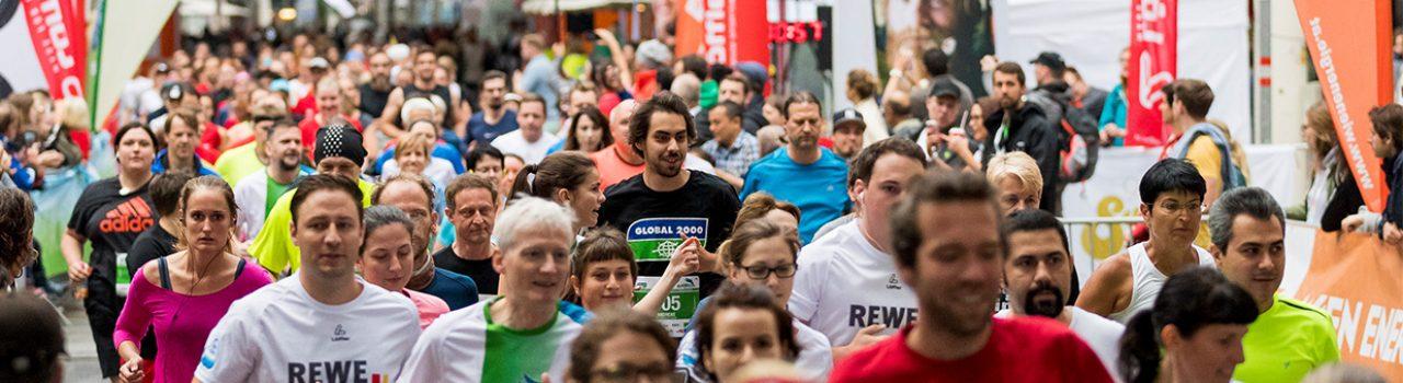 Läufer beim Start des Global 2000 Fairness Run