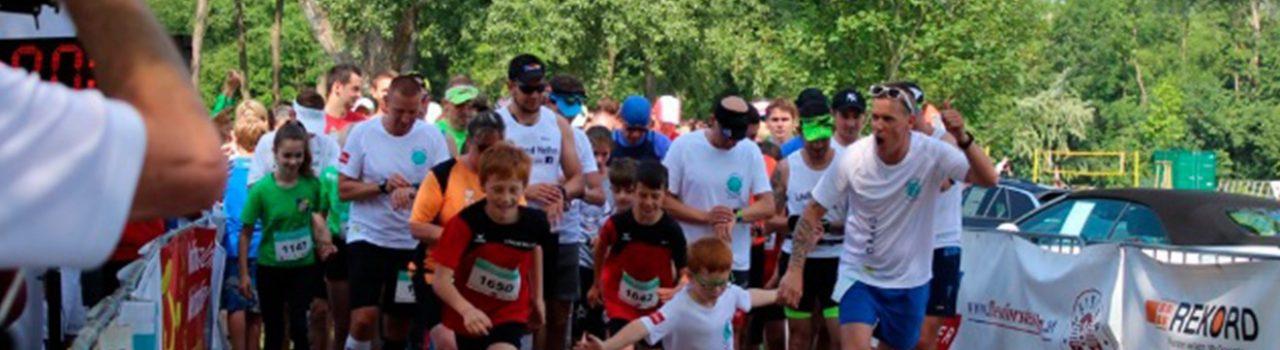 Läufer beim Start des Lichtblick-Laufs